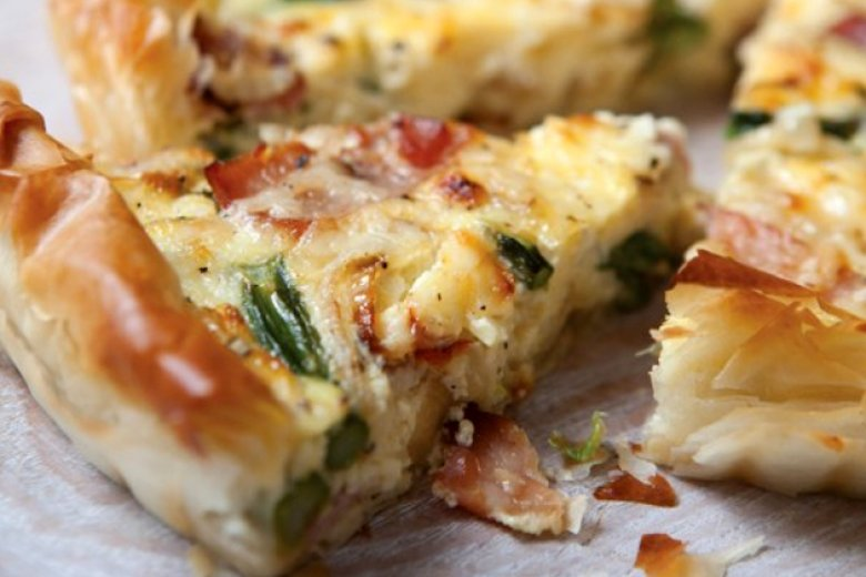 Egg, bacon and asparagus flan
