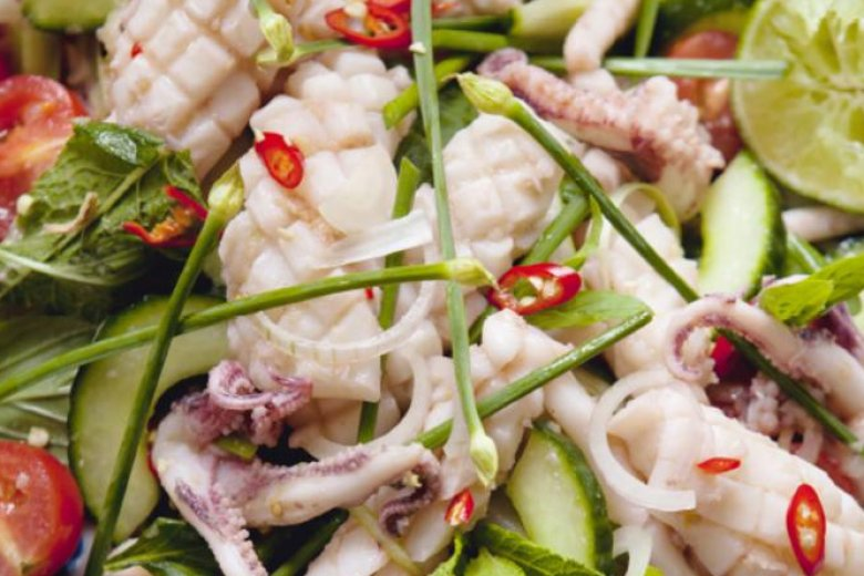 Hot and spicy squid salad (Yam pra-muek)