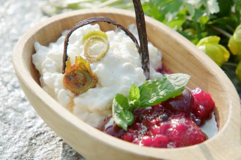 Almond rice pudding and cherry compote